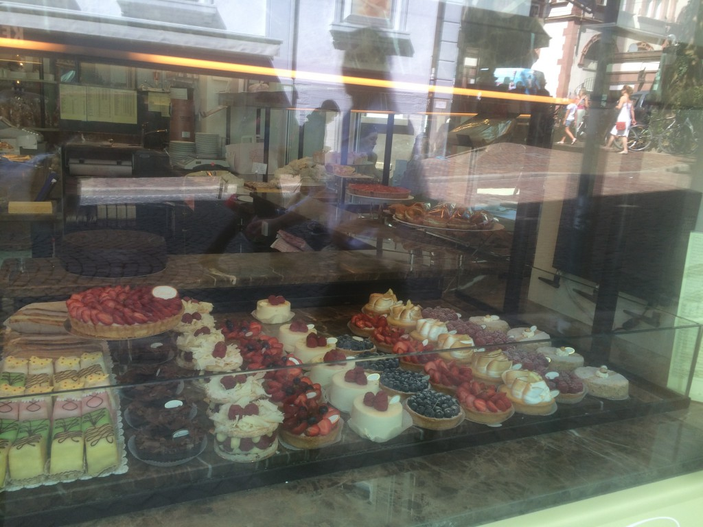 Patisserie Gmeiner since 1898 - we simply had to order some cakes