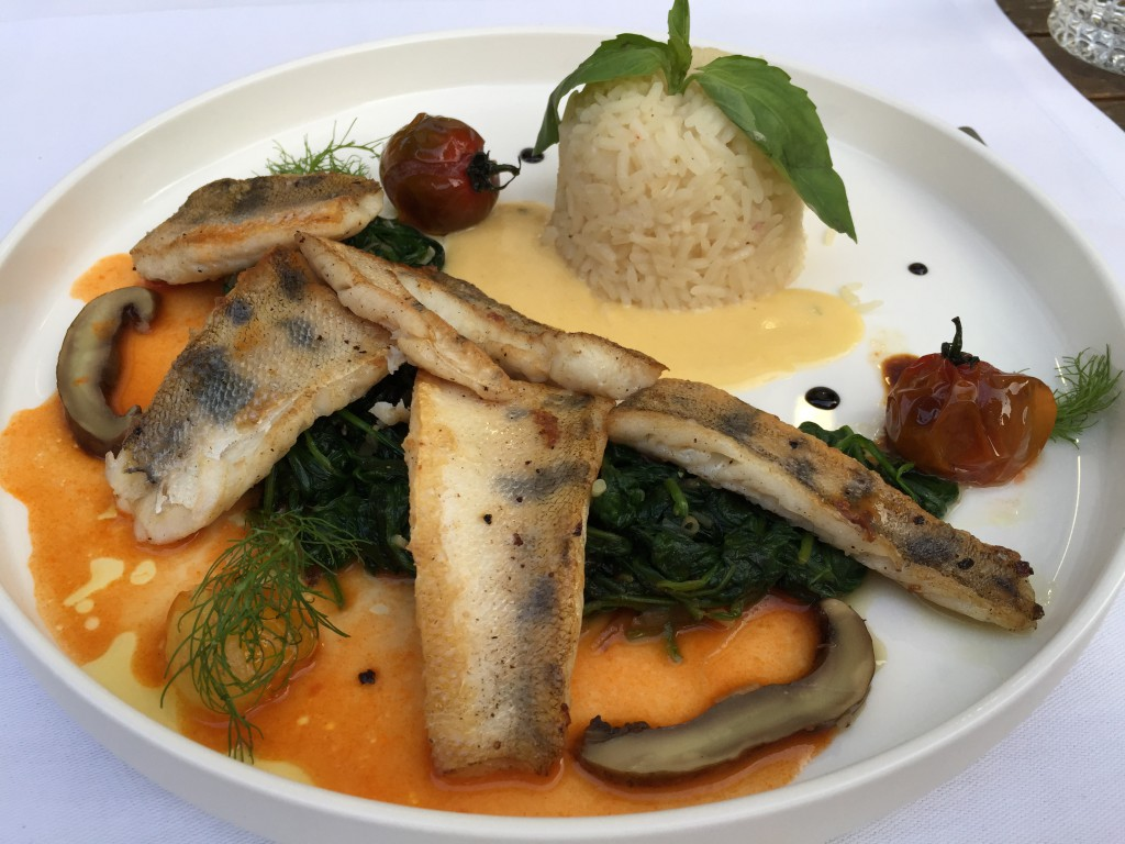 Perch with spinach and rice